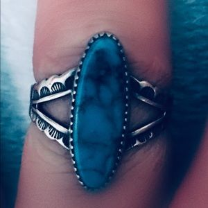 Jewelry - Vintage Sterling Etched Ring w Lg Turquoise Stone